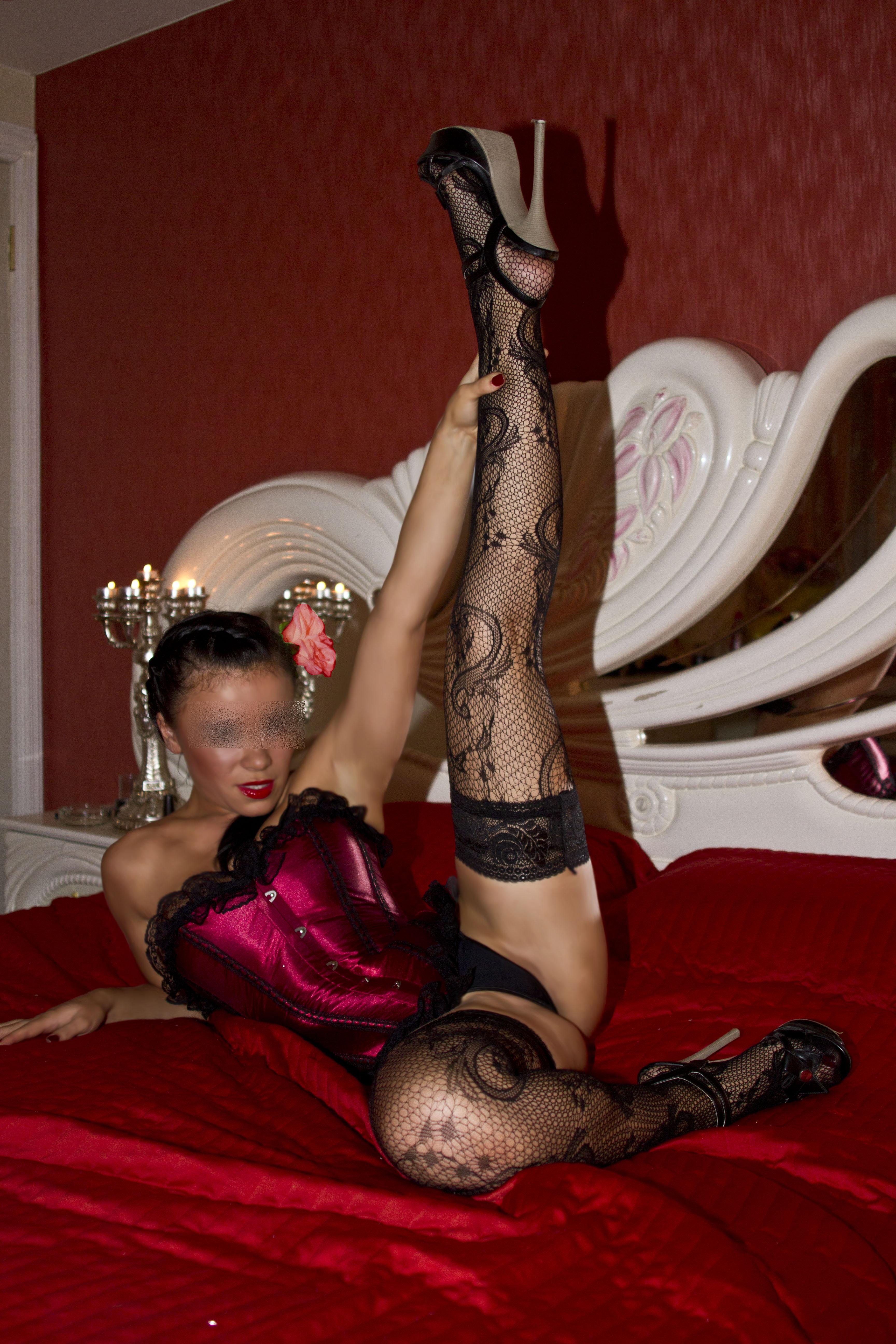 Камеди клаб проститутка в номере у бизнесмена